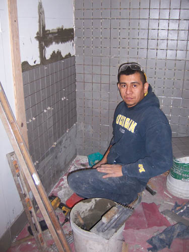 Juan_shower_tile