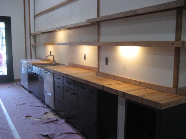 under cabinet garage lighting 3
