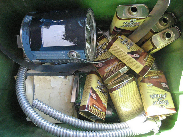 Contents of metal recycling container